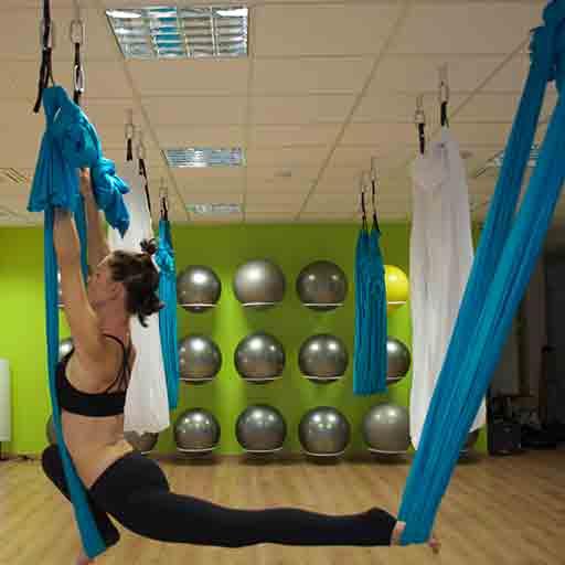 Yoga-in-Volo-Osimo-Olistica-Salus